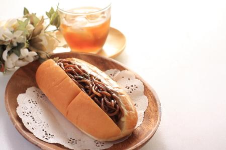 日本料理、焼きそばサンドイッチ