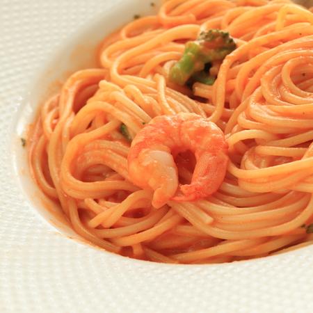 garnalen en tomatensaus spaghetti
