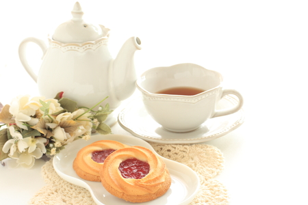 strawberry jam cookie and tea