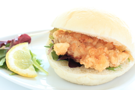 chicken sandwich: fried chicken sandwich