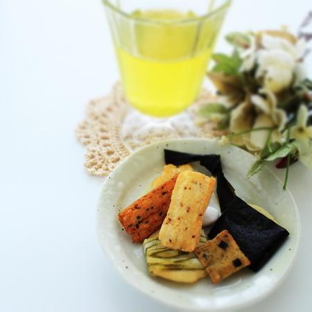 galletas integrales: Japanese food, senbei crackers Foto de archivo