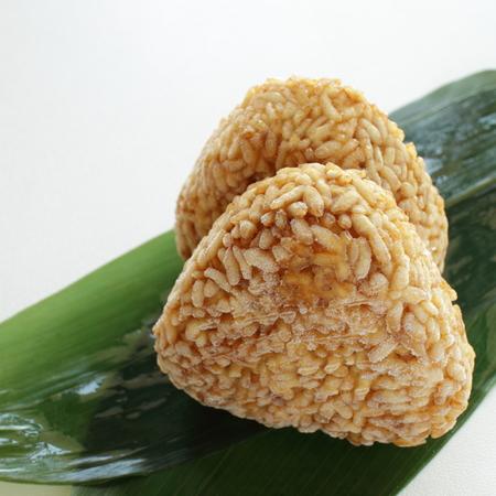 Alimenti surgelati, palla di riso giapponese Yakiorigini Archivio Fotografico - 83855005