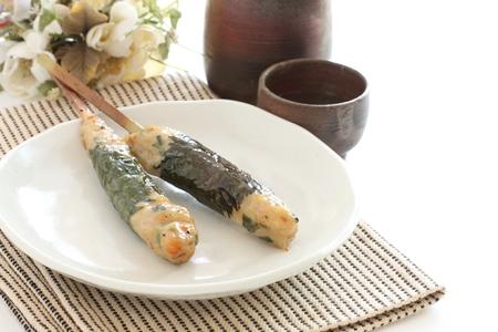 japanese sake: Japanese food, grilled Mince chicken with Sake wine