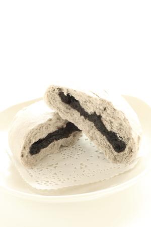 Black sesame paste sweet bun