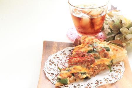 牛肉とピーマンのピザのクローズ アップ