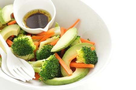 avocado and broccolli salad with dressing
