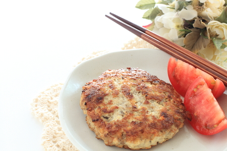 Tofu patty and tomato 版權商用圖片