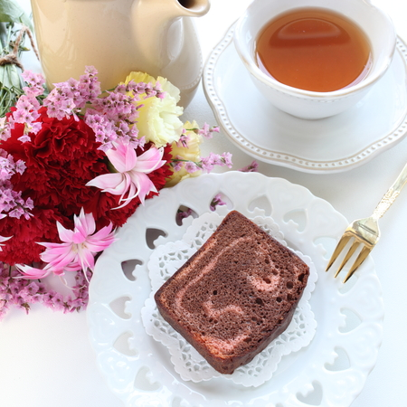 Strawberry and chocolate pound cake with tea