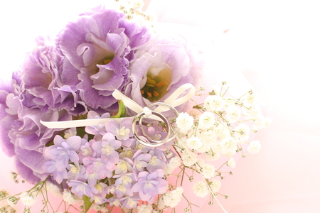 Hydrangea flower and wedding ring for June bride image Stock Photo - 98476911
