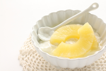 sliced pinapple and yogurt