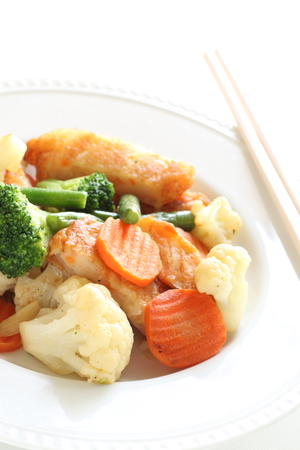 vegetable and fish cake stir fried Stockfoto - 102164602