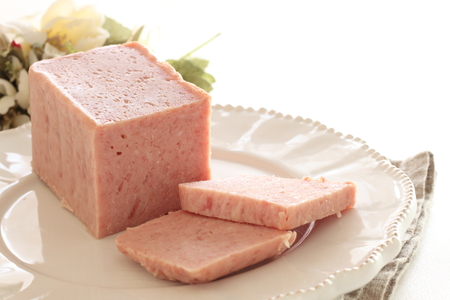canned food, luncheon meat in slice