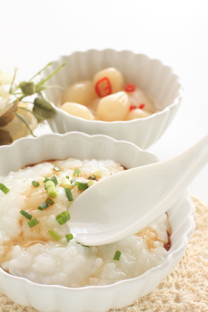 Rice porridge and spring onion