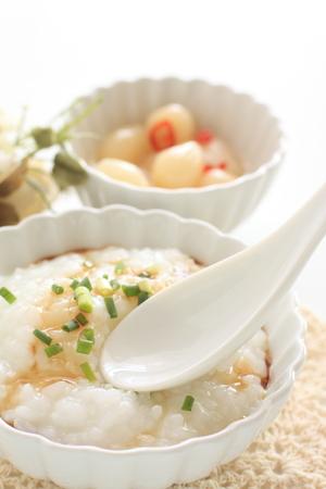 Rice porridge and spring onion