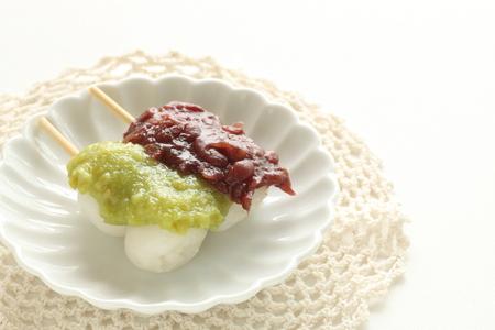 Japanese confectionery, bean paste rice cake Dango Archivio Fotografico - 106163029