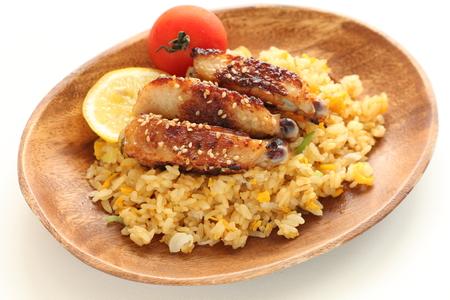 Grilled sesame chicken wing on fried fried Foto de archivo - 105548054