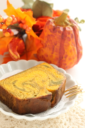 Homemade pumpkin marble pattern pound cake 스톡 콘텐츠