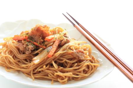 Japanese food, pork fried noodles Stockfoto - 119749190