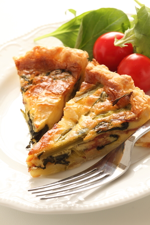 Bacon and spinach quiche