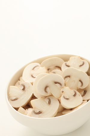 Sliced mushroom on bowl