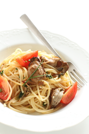 Smoked oyster and tomato spaghetti