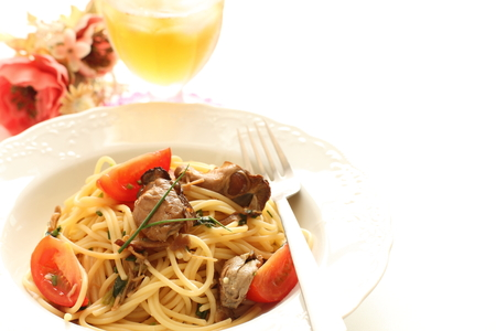 Smoked oyster and tomato spaghetii
