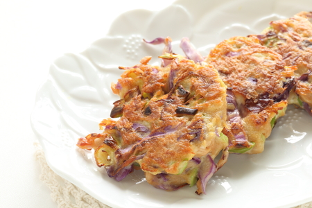 Korean food, tuna fish and cabbage pan cake Jeon Фото со стока