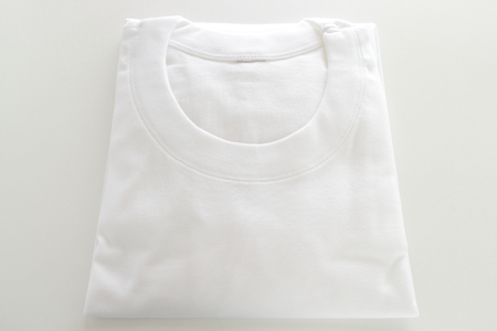 White cotton T-shirt for Men's wear image 스톡 콘텐츠 - 121745417