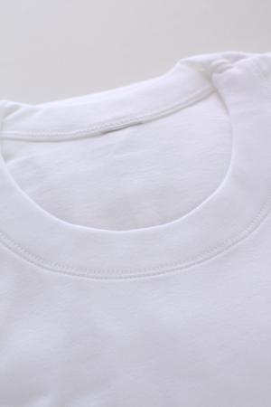 White cotton T-shirt for Men's wear image 스톡 콘텐츠 - 121745421