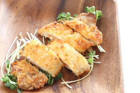 Japanese food, chopped pork cutlet on wooden plate 版權商用圖片