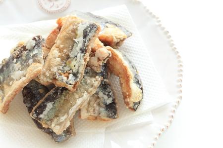 Cuisine japonaise, Saury du Pacifique frit