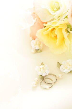 Coppia anello e nastro per l'immagine del matrimonio Archivio Fotografico