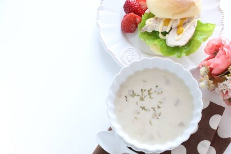 Thymus and mushroom soup and chicken sandwich