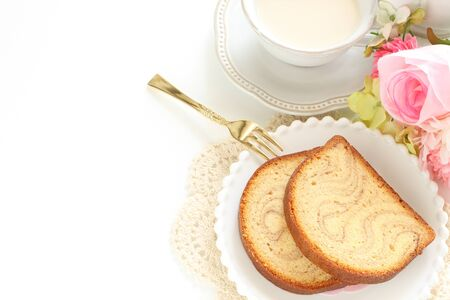 Maple syrup cake and milk tea