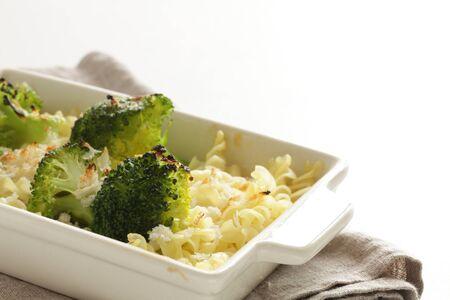 Fossil short pasta and broccoli gratin
