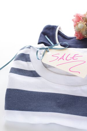 No brand T-shirt and hand written SALE tag Imagens