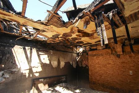 quemado: Daño de fuego en el dormitorio