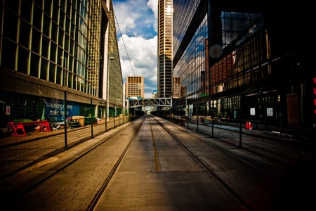 vanishing point: Empty street fading to a vanishing point