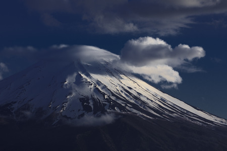 富士と夕方の雲