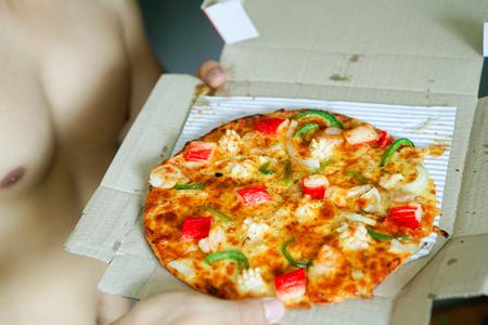 Seafood Pizza Put on a paper box. Standard-Bild