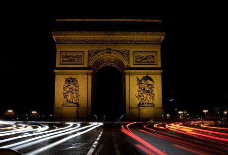 napoleon: Arc de Triomphe at night