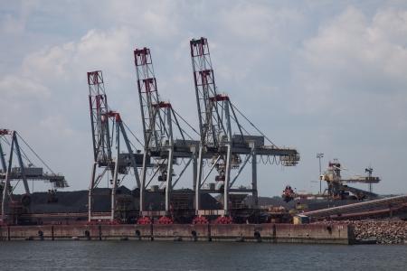 hoists: Harbor Crane
