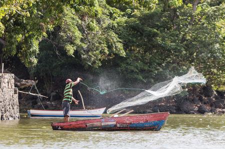 Net fishing on Lake Nicaragua, Granada, Nicaragua, 3 Mar 2016 Stock Photo
