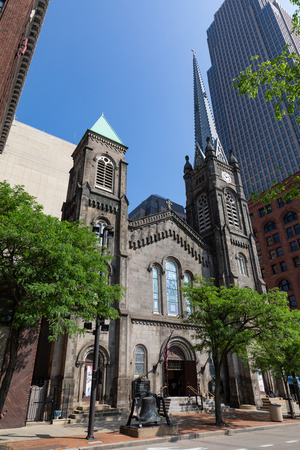 Stone Church in the heart of downtown Cleveland built in 1853 Редакционное