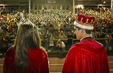 Homecoming koning en de koningin.  Stockfoto - 8226454