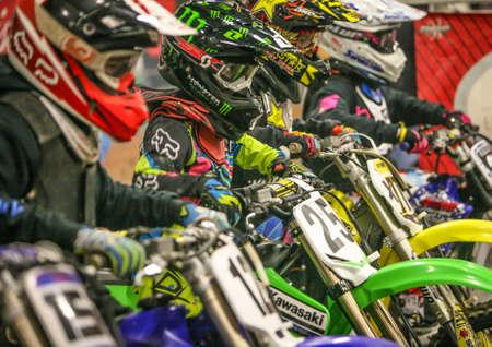 Arenacross, Indoor Motorcross Racing Stockfoto - 24010624