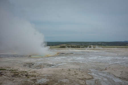 yellowstone: Yellowstone geyser