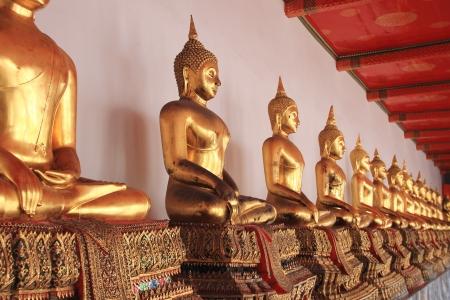 Gold Buddha statue Wat Pho, Bangkok, Thailand