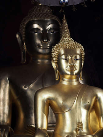 lambent: Buddha in the temple of Thailand