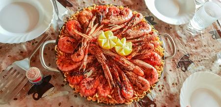 Delicious homemade seafood fideua 写真素材 - 114852661